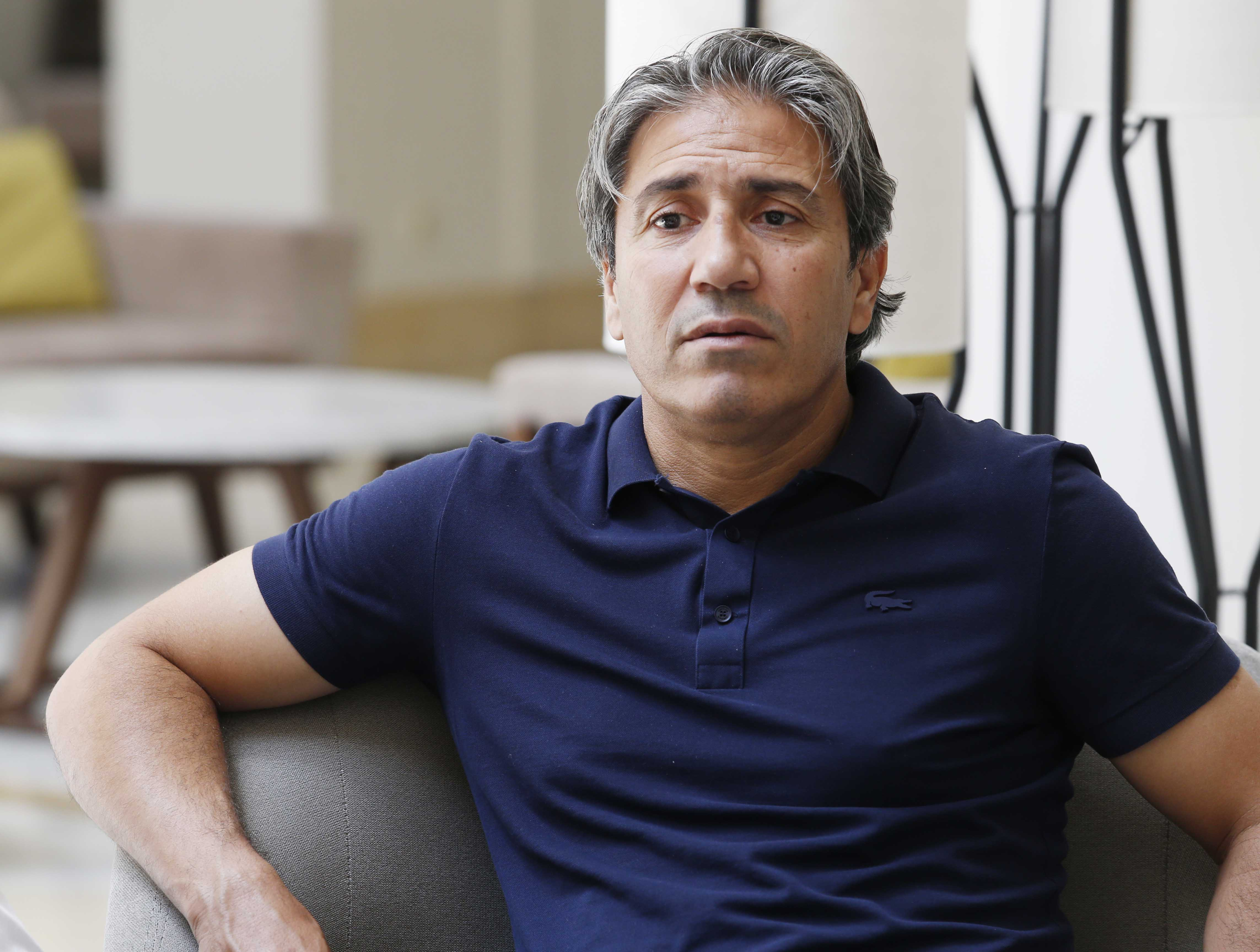 نبيل الكوكي يتعرض إلى العنصرية في الجزائر