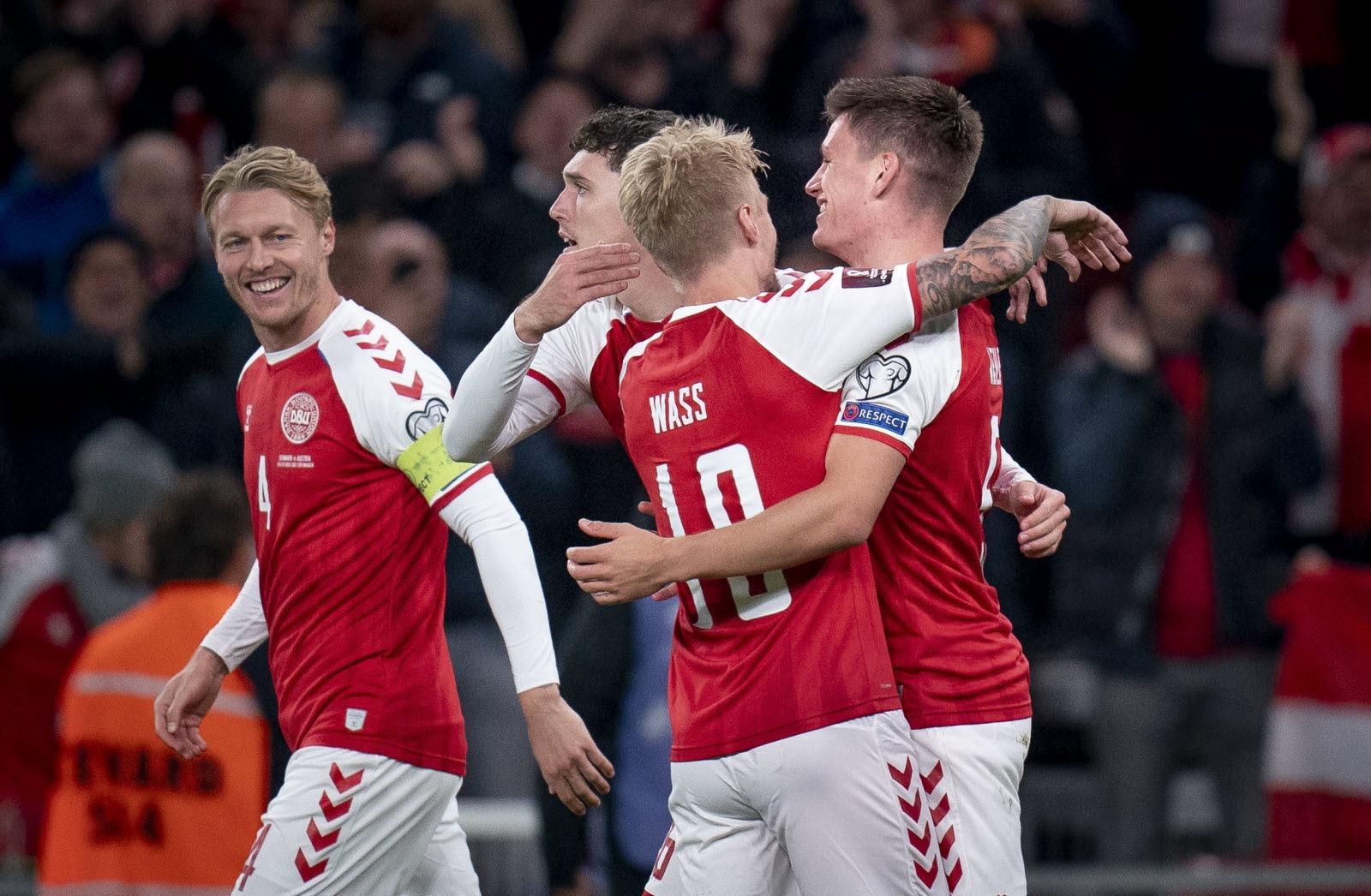 الدنمارك ثاني المتأهلين إلى كأس العالم
