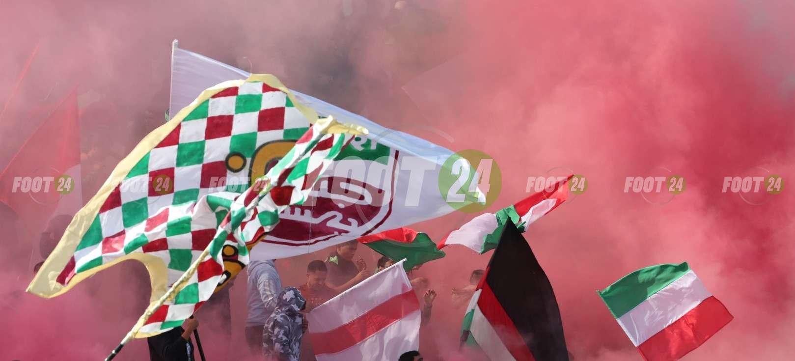 جماهير الملعب التونسي تتوافد على مقر الجامعة التونسية لكرة القدم